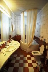 Шторы в ванной комнате