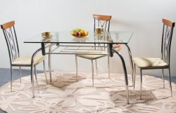 Стеклянный стол на кухне, в столовой, в чайной…