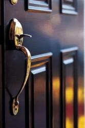Выбор уличной входной металлической двери