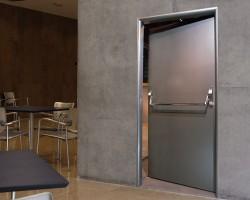 Особенности конструкции противопожарных дверей