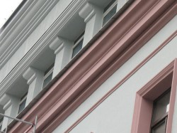 Особенности фасадного декора из пенополиуретана