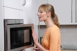 Бытовая техника для кухни: микроволновая печь