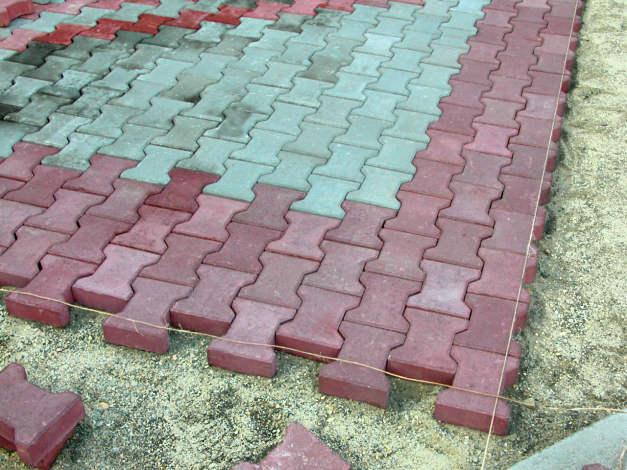 Особенности укладки тротуарной плитки: Блоки стеновые