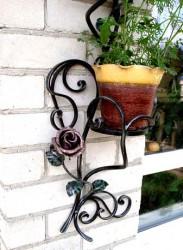 Подставки для цветов в интерьере