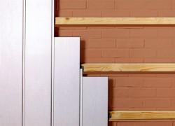 Монтаж пластиковых панелей с помощью скоб или гвоздей