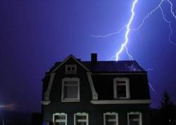 Необходимость молниезащиты дома