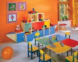 Детская мебель: как выбрать стеллаж для игрушек?