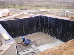 Устройство фундамента на влажных и рыхлых грунтах