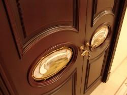 Популярные модели современных дверей