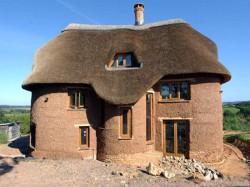 Как построить саманный дом?