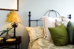 Советы по установке кровати в спальне