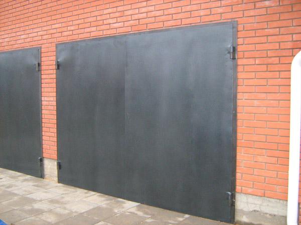 Как сделать железные ворота в гараж своими руками