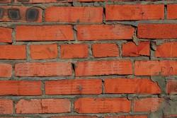 Свойства строительного кирпича и его использование