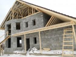 Выгодно ли самостоятельно строить коттедж?