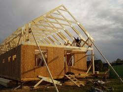 Как самостоятельно возвести каркасный дом