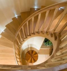 Как выбрать деревянные лестницы?
