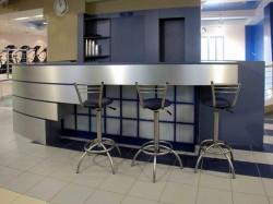 Выбираем мебель для интерьера кафе или бара