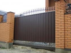 Откатные ворота, как наилучшее решение для российских пользователей