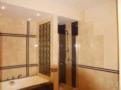 Ремонт в ванной комнате: зона ответственности хозяина квартиры