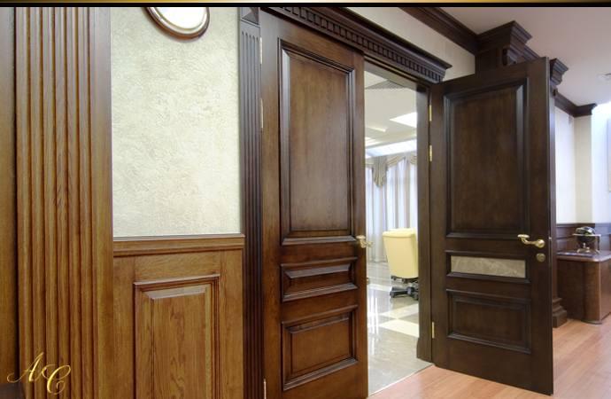 Преимущества дверей из дерева на заказ