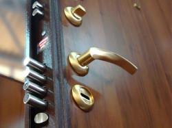 Как подобрать стальные двери?