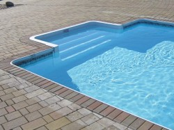 Как построить бассейн собственными руками?