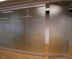 Особенности стеклянных перегородок