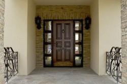 Как выбрать входную дверь для вашего помещения?