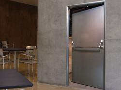 Металлические двери  и их технические особенности