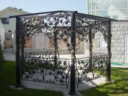 Использование художественной ковке при обустройстве придомовой территории