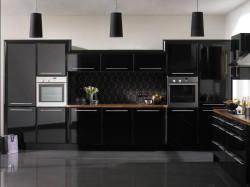 Оформление интерьера кухни в черном цвете