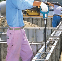 Выбор глубинного вибратора для бетона – основные факторы и параметры