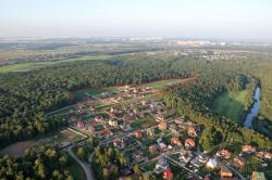 Жизнь в коттеджном поселке: близость к природе в сочетании с цивилизацией