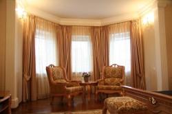 Несколько слов о дизайне штор в гостиной