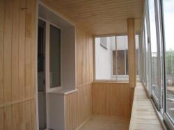 obshivka-balkona-vagonkoi