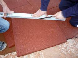 Как положить керамическую плитку на пол: практические советы