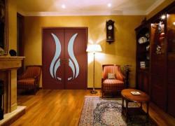 Что представляют собой двери из шпона