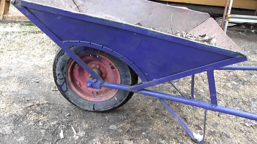 Устанавливаем колесо и раму