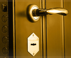 stalnyie-vhodnyie-dveri