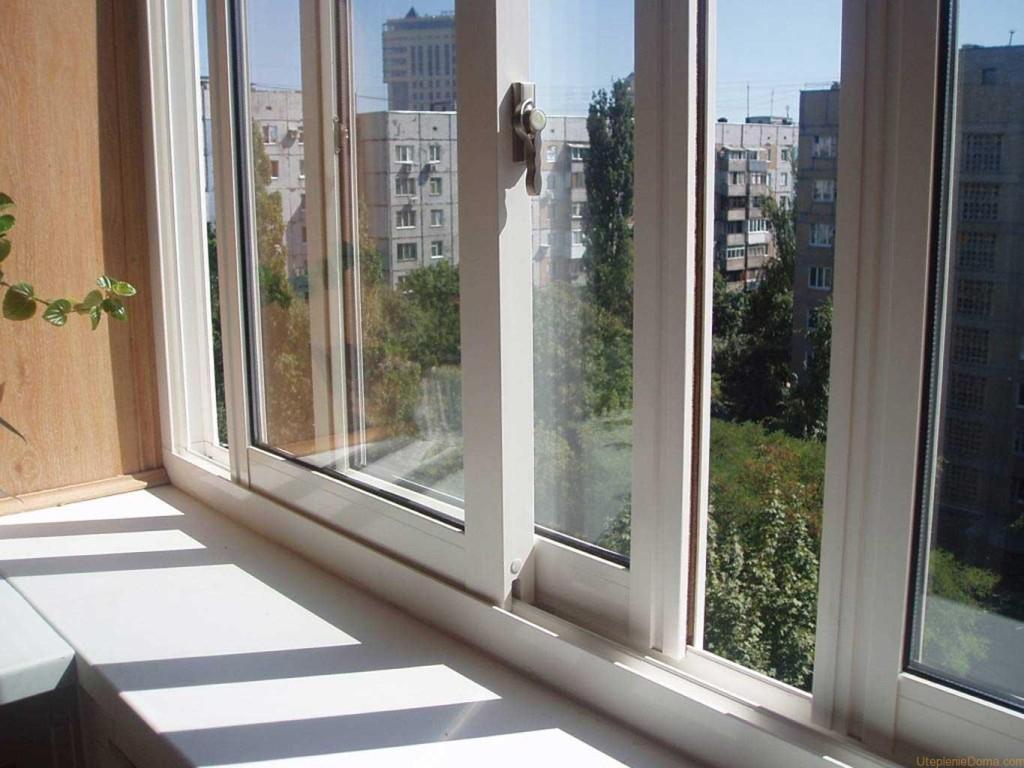 Выбираем остекление балкона: алюминий или пластик?.